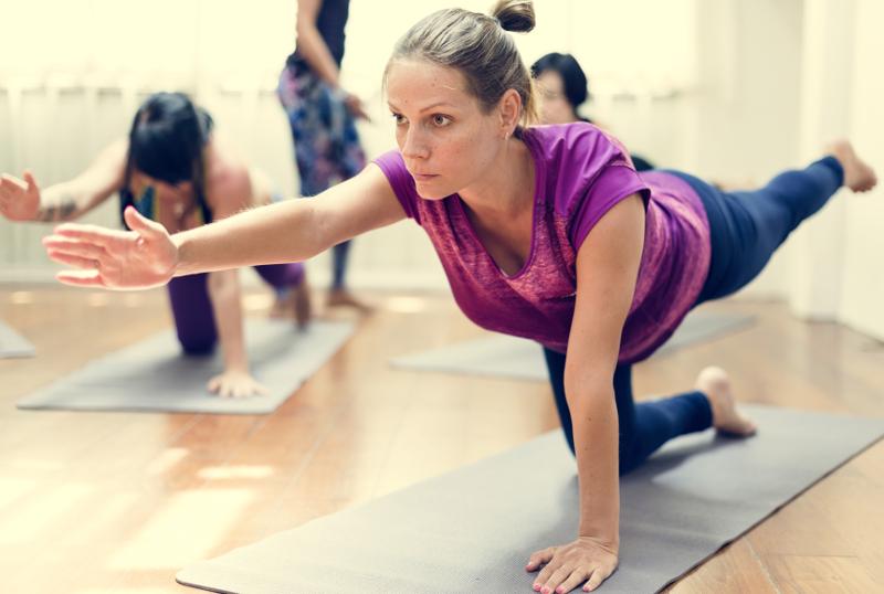 Yoga para mantenerse en forma si vives en la ciudad